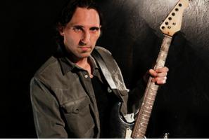 Mario Freiria de Tus Clases de Guitarra